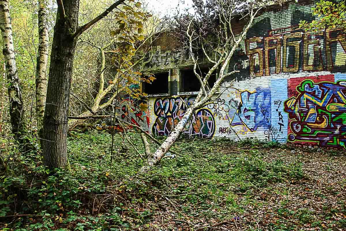 Graffiti bij oude steenfabriek de Vijver.